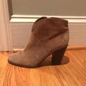Vince camuto frannel suede booties